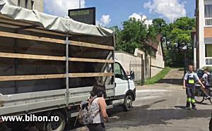 O autospecială a luat foc lângă Școala Dacia din Oradea